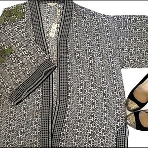 Max Studio | kimono large black and white print
